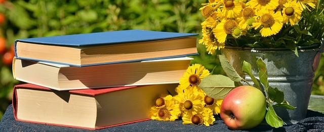 kniha u květin